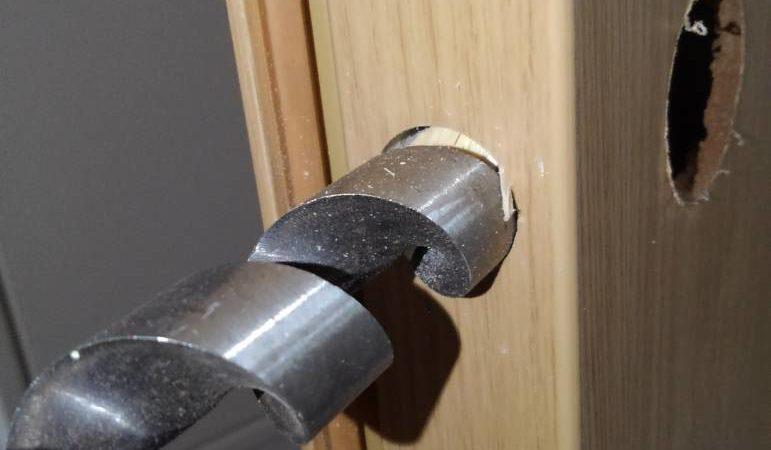 玄関の鍵交換 作業事例
