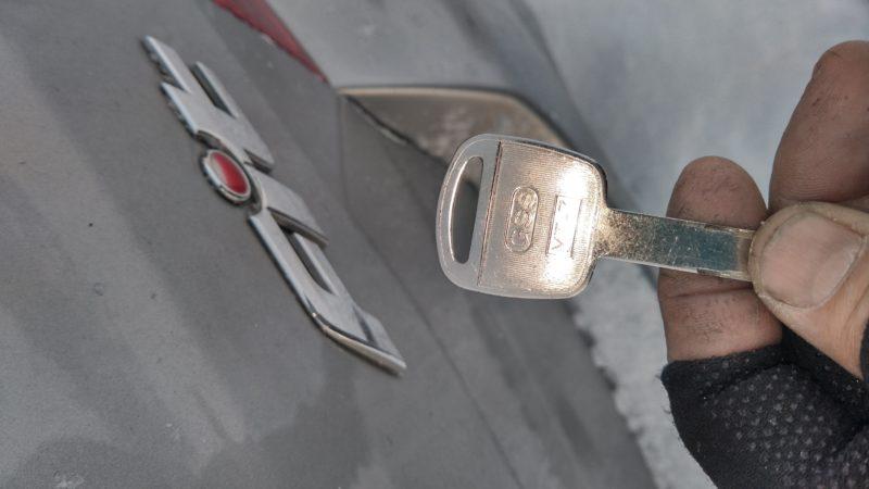 スキー場 ホンダフィット鍵紛失作製作業